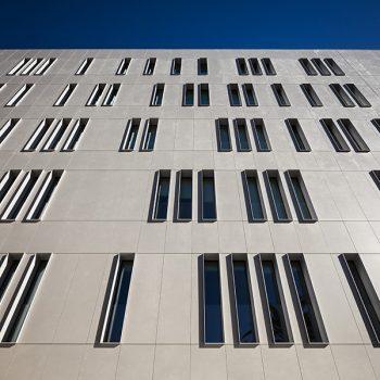 fachada-edificio-cajamar_dekton-sirocco-3